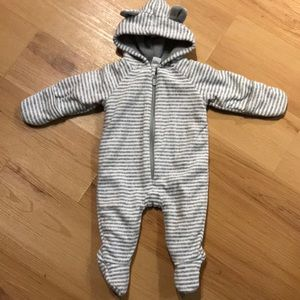 Old navy baby one piece size 0-3 months